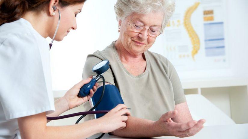 La hipertensión arterial puede aumentar el riesgo de Alzheimer